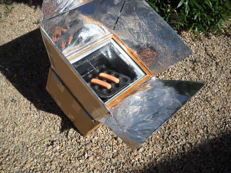 image of a homemade solar cooker for how to make a solar cooker at home
